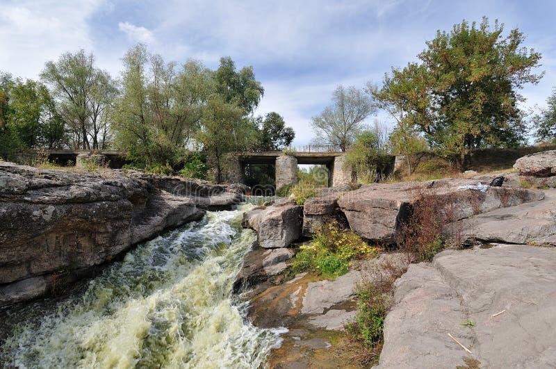 Secuencia del río a través del barranco. fotos de archivo