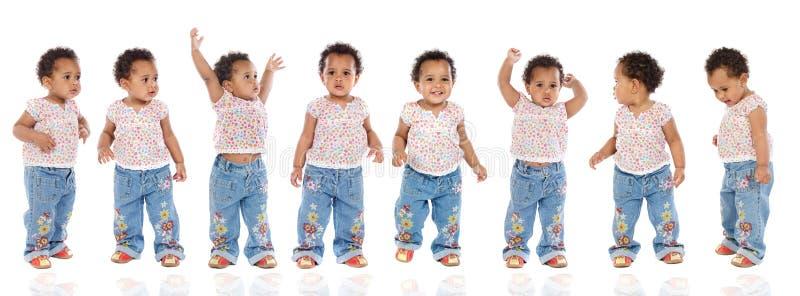 Secuencia fotográfica de un bebé hiperactivo imagen de archivo