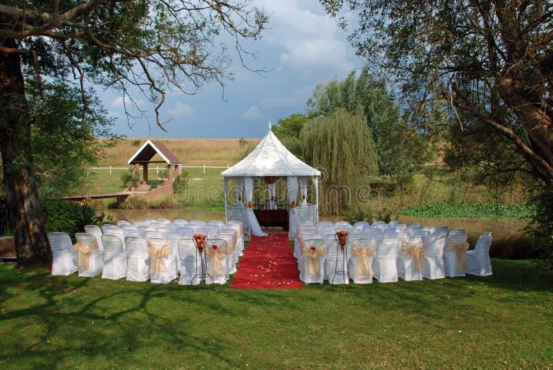 Sede della riunione romantica di giorno delle nozze immagini stock libere da diritti