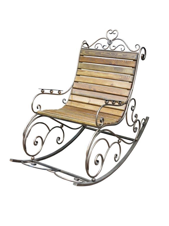 Sedia di oscillazione forgiata di legno metallica d'annata isolata sopra bianco fotografia stock libera da diritti