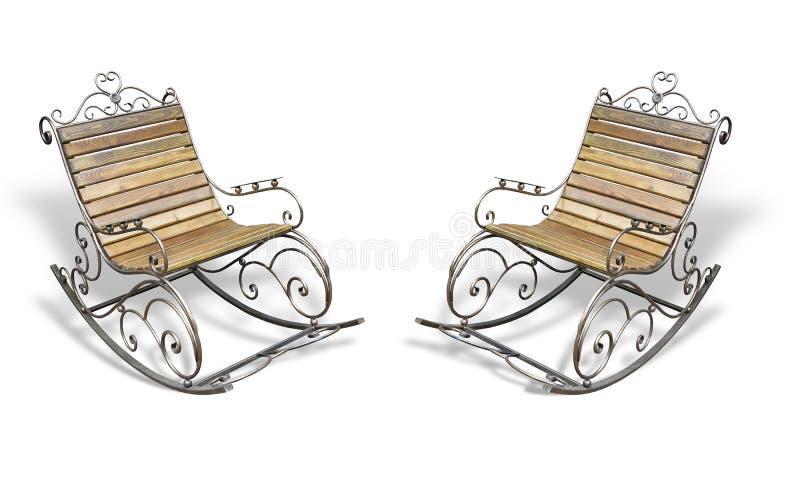 Sedia di oscillazione forgiata di legno metallica d'annata sopra bianco immagini stock libere da diritti