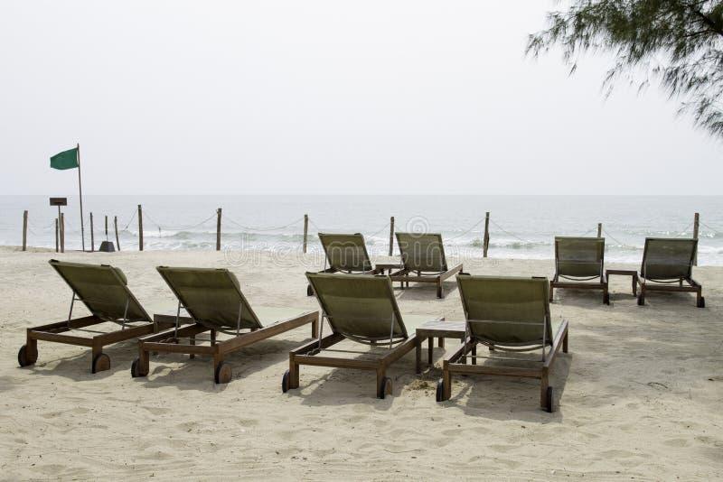 Sedie di spiaggia fotografie stock libere da diritti