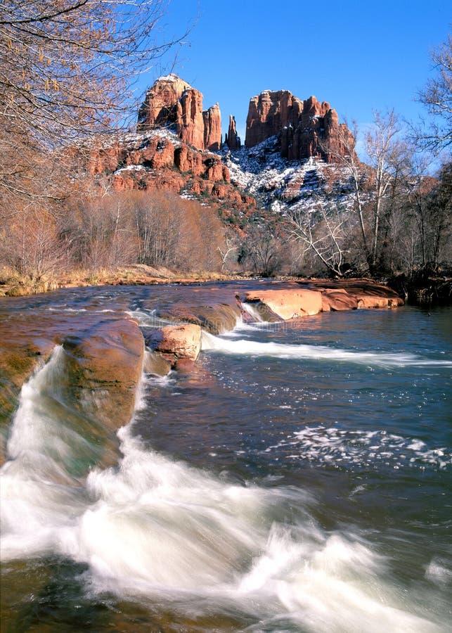 Sedona,亚利桑那大教堂岩石在冬天 图库摄影