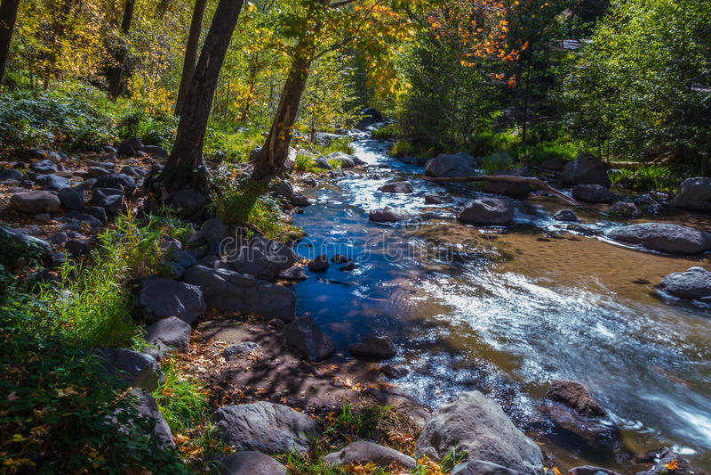 Sedona bonito o Arizona em Sunny Autumn Day imagens de stock