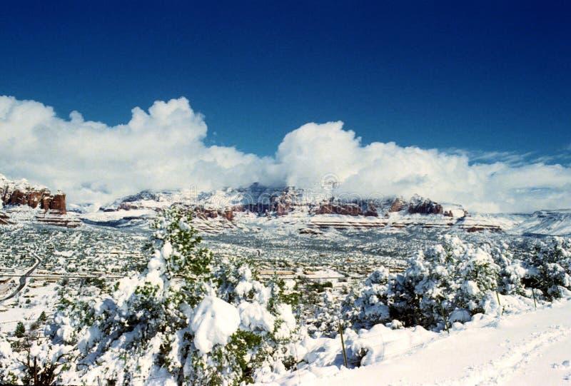 Sedona místico Arizona después de una tormenta súbita de la nieve fotografía de archivo