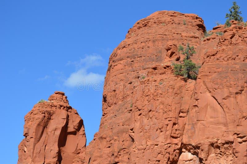10 Reasons to Road Trip Arizona's Verde Valley in the Fall  |Sedona Fall Scene