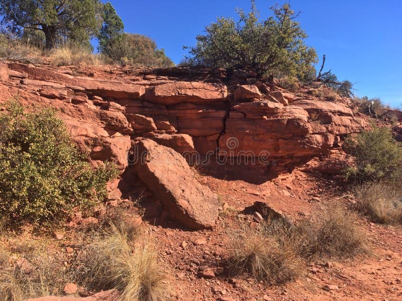 Download Sedona Rode Rots Wandelingsslepen Stock Foto - Afbeelding bestaande uit stijgingen, landschap: 107708250