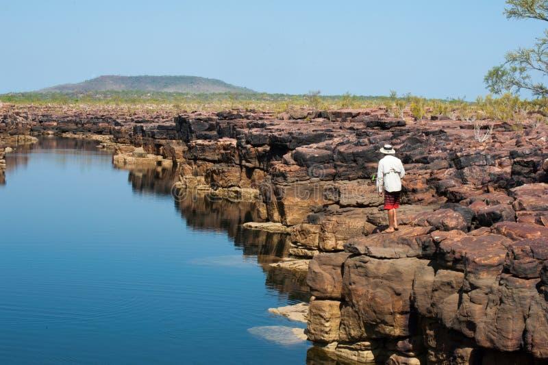 Seduza a pesca em um desfiladeiro de Kimberley fotos de stock royalty free