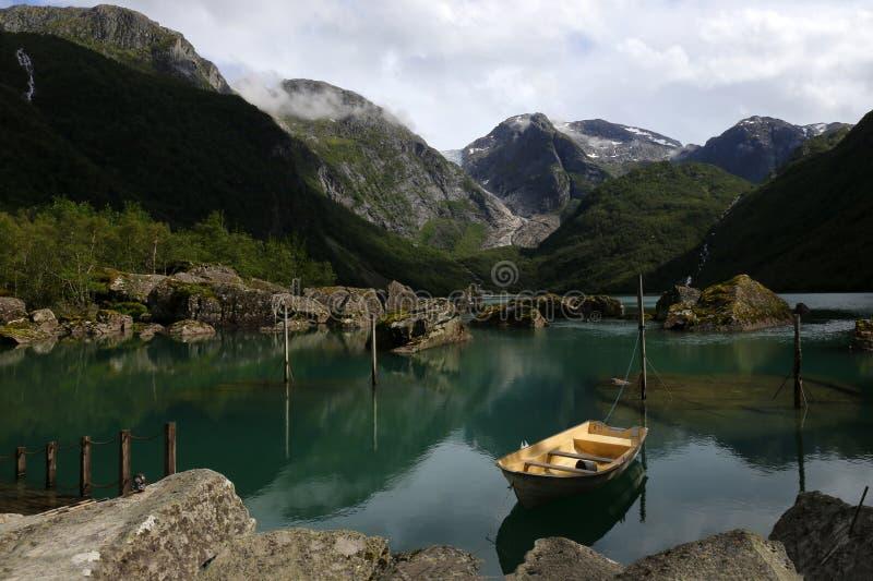 See in Bondhusdalen, Norwegen lizenzfreies stockfoto