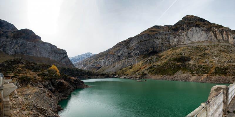 See das Gloriettes auf gab d-` Estaube-Fluss im Haute Pyr stockbilder