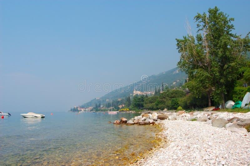 Download See Garda Küste stockfoto. Bild von ferien, feiertage - 1344526
