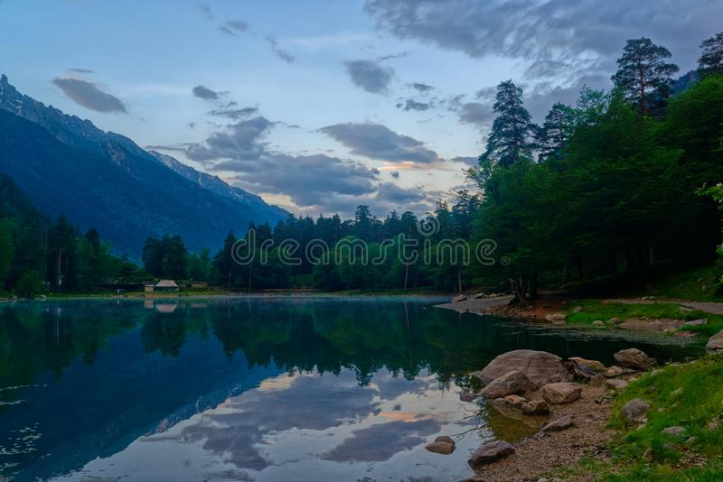 See Kara-Kel Teberda, Karachay-Cherkessia, Russland lizenzfreies stockfoto