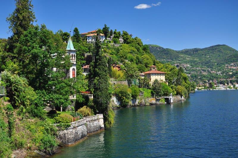 See (lago) Maggiore-Landhäuser, Italien Szenische Landschaftsansicht stockfotos