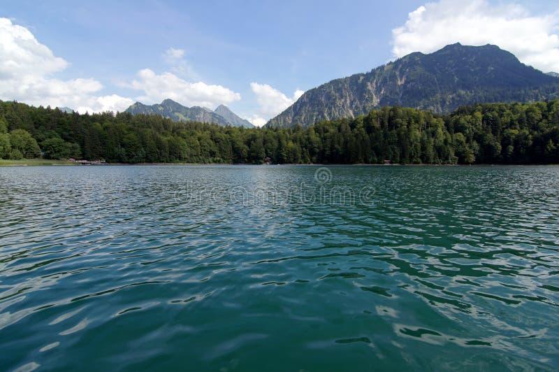 Download See mit Bergen nach stockfoto. Bild von berge, baum, deutschland - 26365482