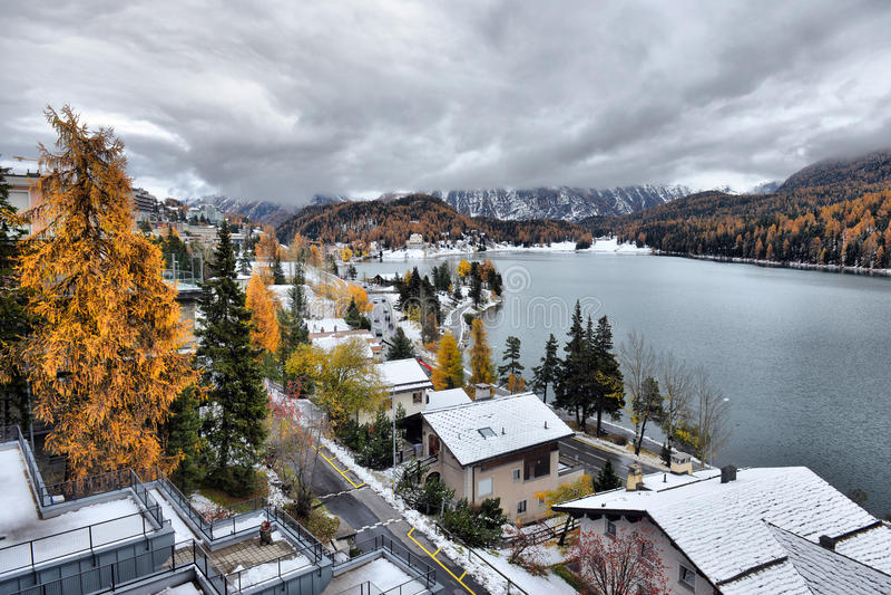 See St Moritz im Herbst lizenzfreies stockbild