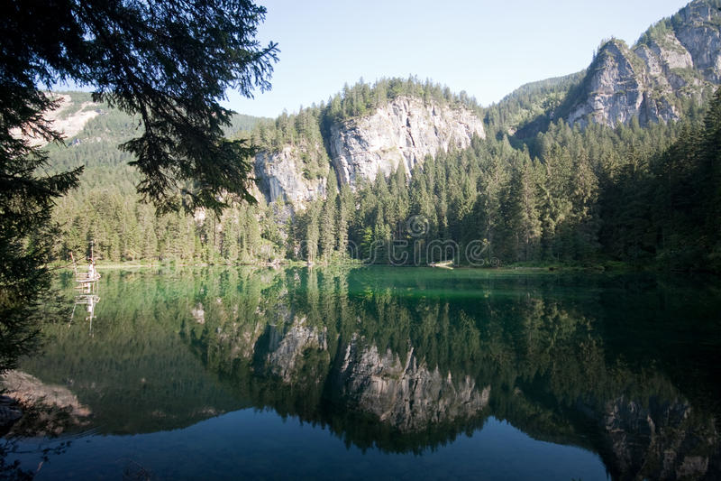 See Tovel in den Brenta Dolomit lizenzfreies stockfoto