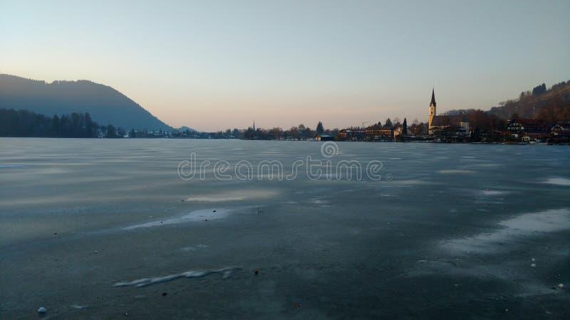 See von Schliersee im Eis stockbilder