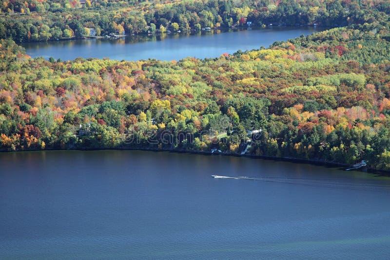 See Wissota-Herbstbootfahrt Wisconsin stockbilder