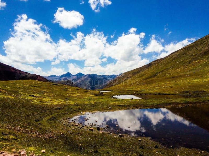 Download See In Zusammenhang Mit Dem Himmel Stockbild - Bild von feiertage, landschaft: 106800405