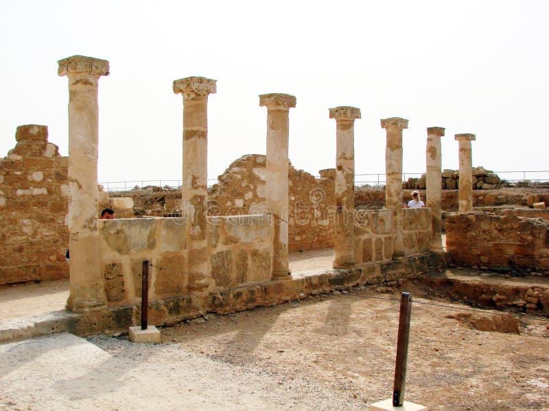 Seeansichten der zypriotischen Küste nahe der Stadt von Paphos lizenzfreie stockfotografie
