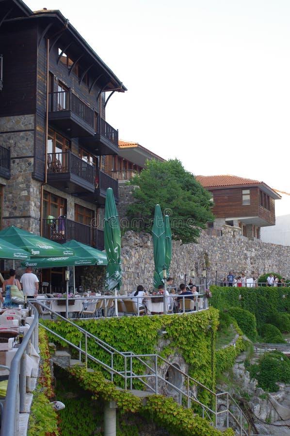Seeansichtrestaurants im Freien lizenzfreie stockbilder