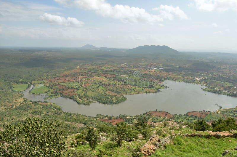 Seeblick von Makalidurga-Hügeln lizenzfreie stockfotografie