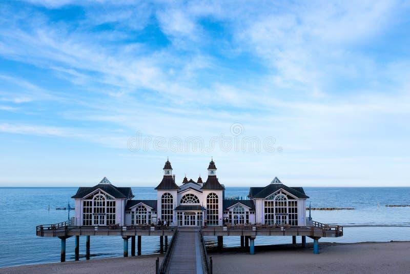 Seebruecke Sellin på ön av Ruegen, Mecklenburg-Vorpommern, Tyskland royaltyfria foton