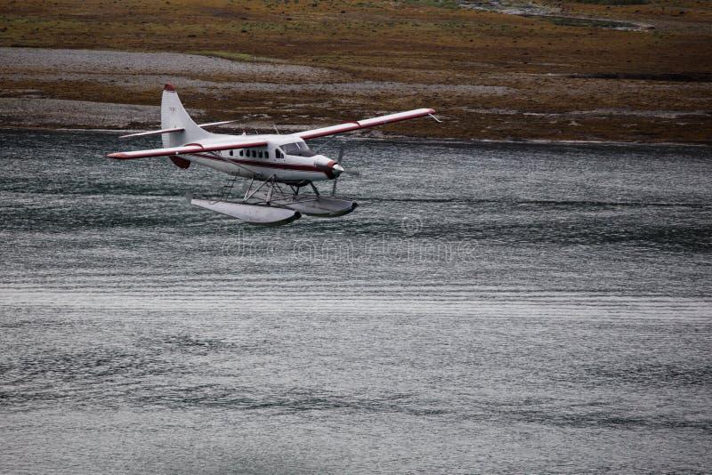 Seeflugzeug über Juneau stockfotos