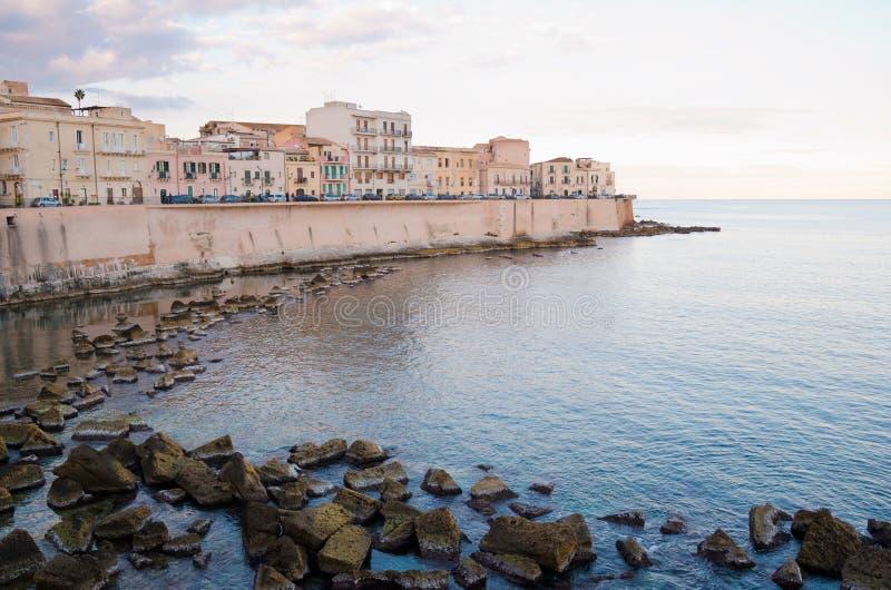 Seefront bei Ortigia, Siracusa lizenzfreies stockfoto