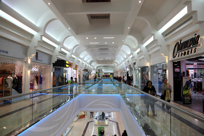 Seefwandelgalerij in Manama, Bahrein stock afbeeldingen