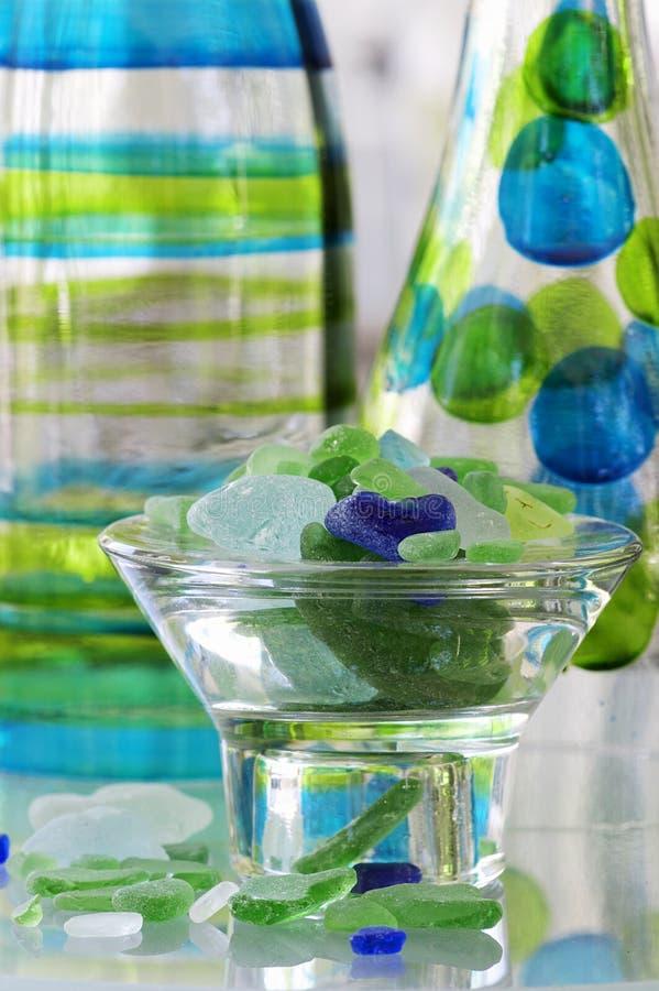 Seeglas und -flaschen stockfotografie