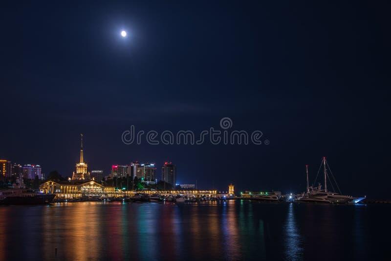 Seehafen von Sochi stockbild