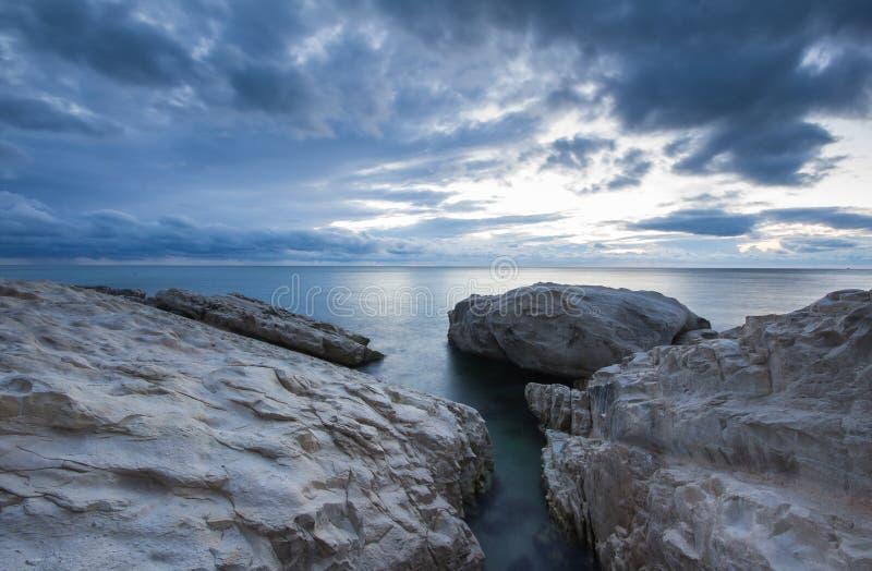 Seelange Belichtung geschossen von den Wolken lizenzfreie stockbilder