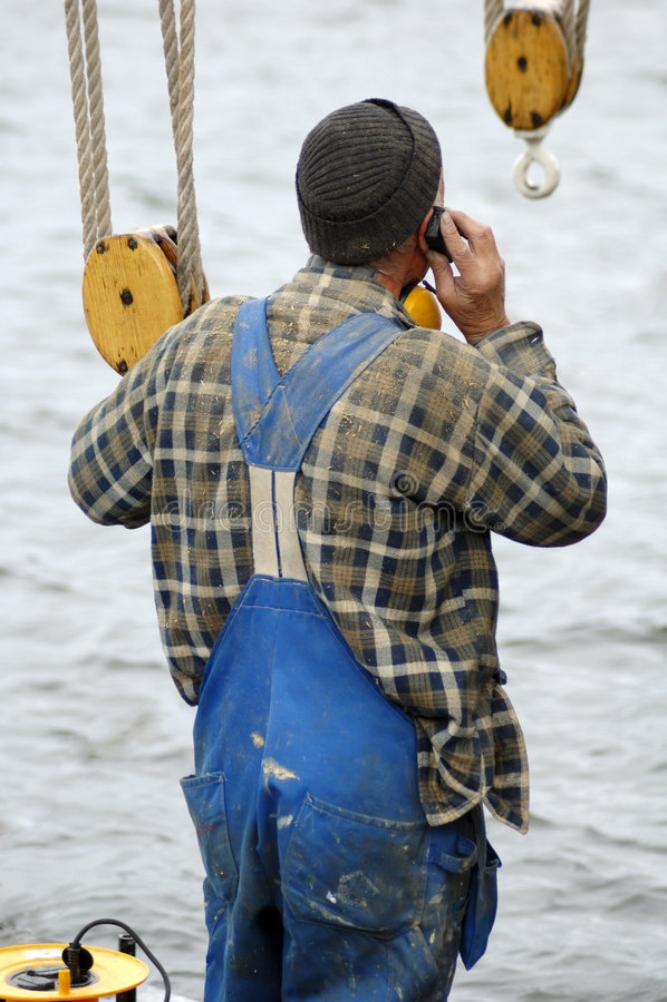 Seemann am Telefon lizenzfreies stockfoto
