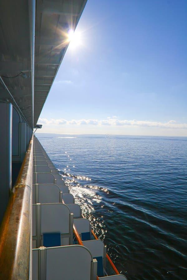 Seereiseflug lizenzfreie stockfotografie