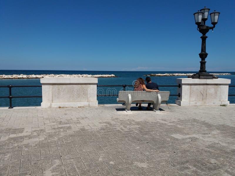 Seeseite in der Stadt von Bari lizenzfreies stockbild