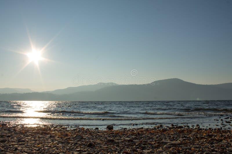 Seeseitenansicht lizenzfreies stockfoto