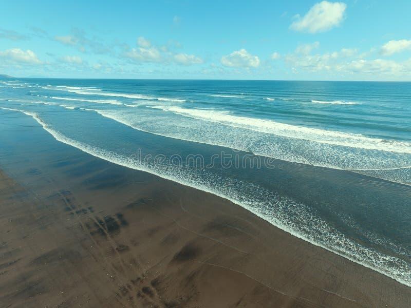 Seewelle und Strand 2 stockfotografie