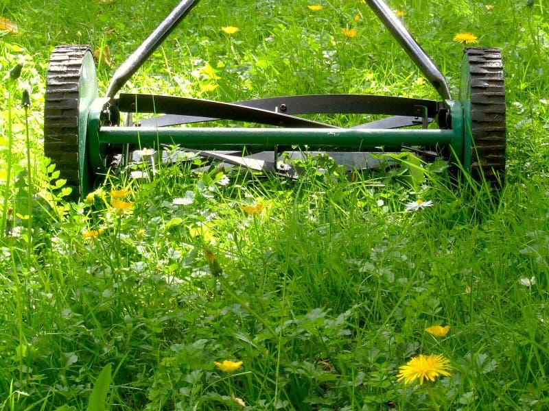 Segadeira de gramado velha foto de stock royalty free