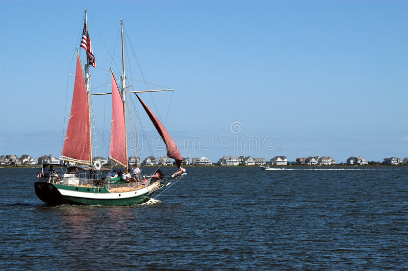 Download Segelbåt fotografering för bildbyråer. Bild av huvud, trans - 290927