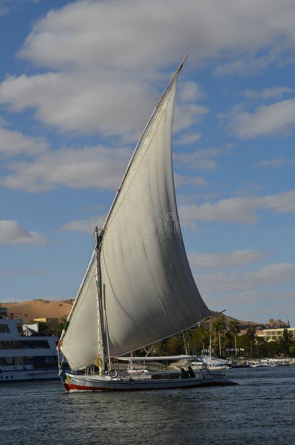 Segelbåt på Nile River, Egypten arkivbild