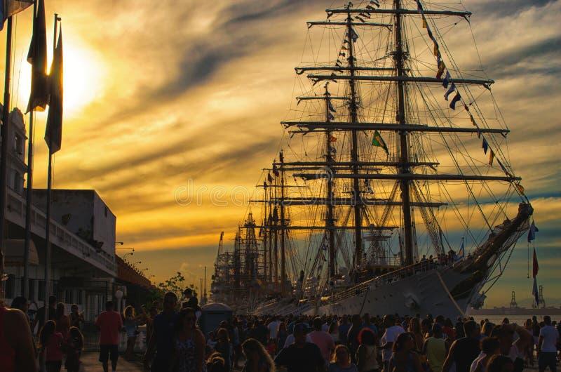 Segelbåt på pir - Rio de Janeiro Brasilien   Rubem Sousa För Box®en arkivfoton