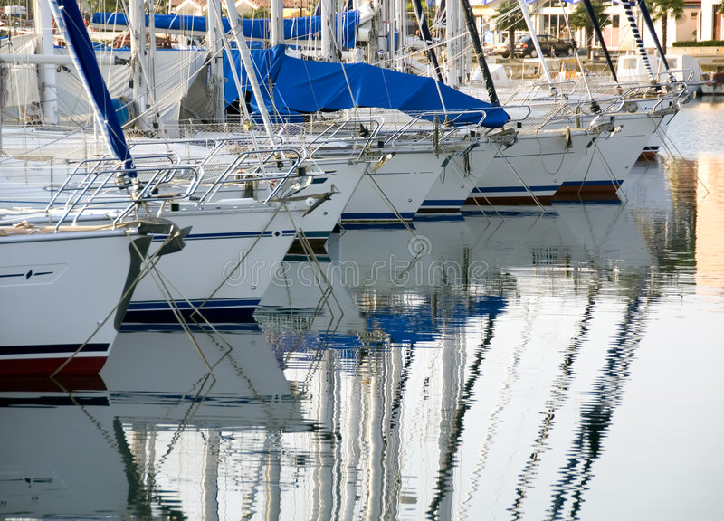 segelbåtar royaltyfri bild