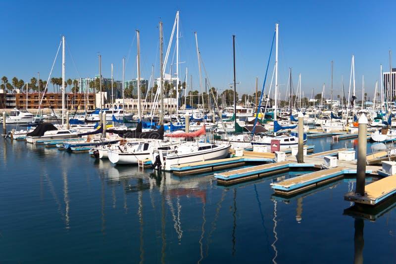 Segelbåtreflexioner fotografering för bildbyråer