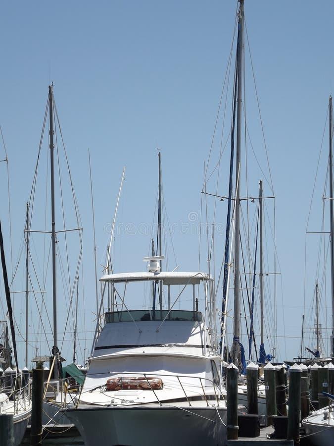 SegelbåtRockport hamn Rockport Texas royaltyfria bilder