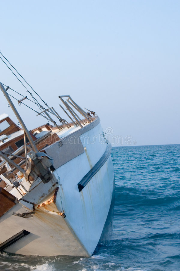 segelbåtskeppsbrott royaltyfri foto