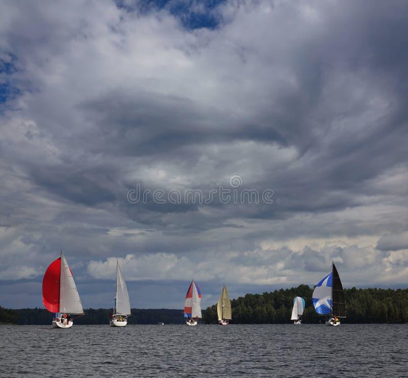 Segelboot-Hurrikan Juli stockfotos