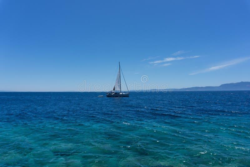 Segeljacht im Ägäischen Meer, Ansicht vom Hafen stockfoto
