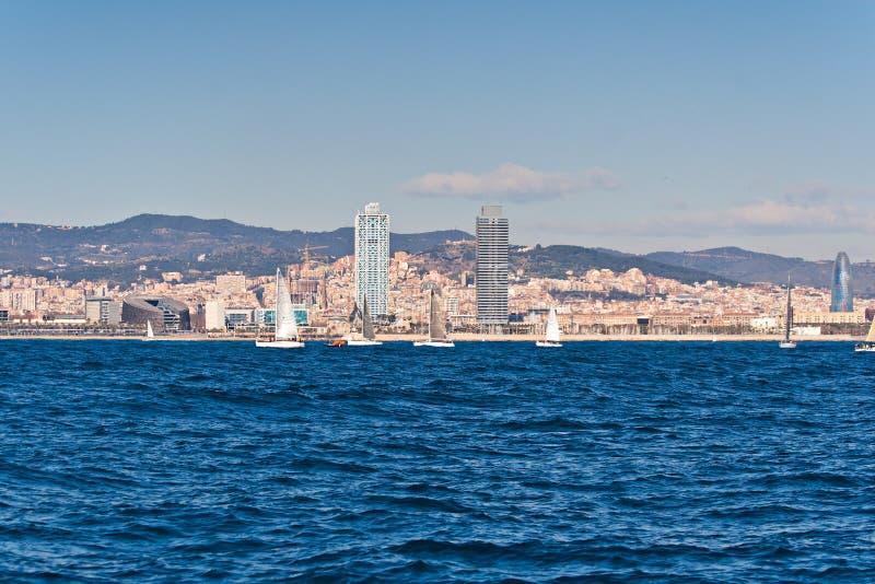 Segeln in Barcelona lizenzfreie stockfotos
