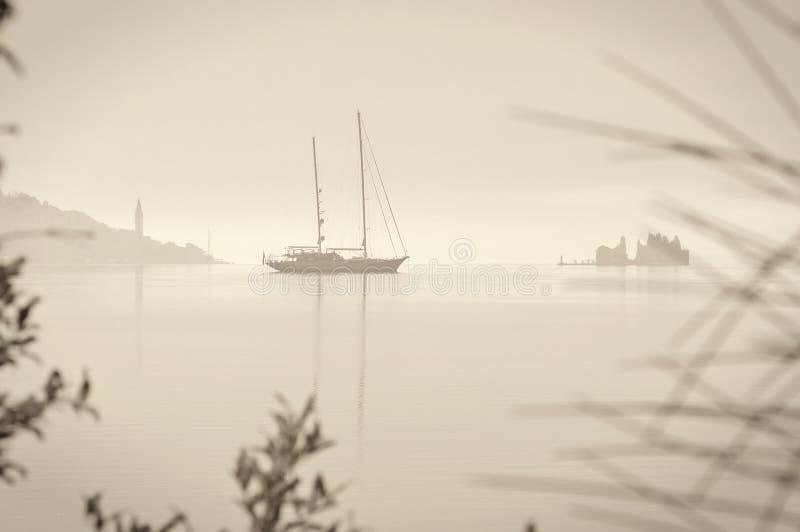 Segelnboot Retro- lizenzfreies stockbild